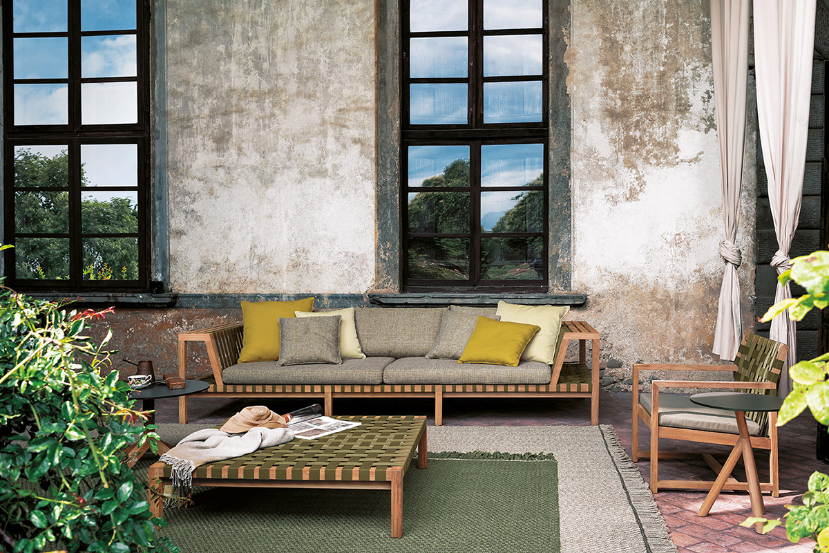 Roda 39 s latest outdoor furniture collection arrives at domo for Domo arredamenti